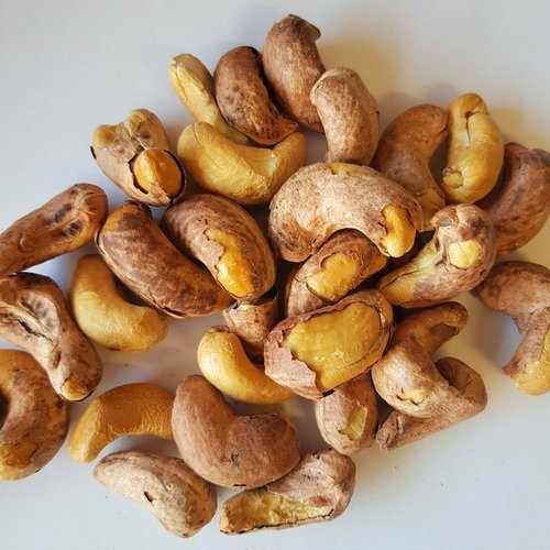 Natural Air Roasted Cashews with Skin Lightly Salted 500g